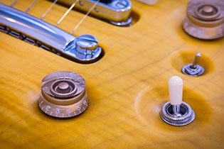Un'alternativa all'acquisto di uno strumento è la sua realizzazione artigianale, con la possibilità di personalizzarlo.