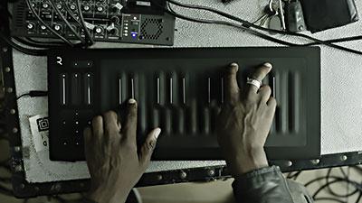 Con Seaboard ROLI il contatto con la superficie del tasto diventa un'esperienza assolutamente inedita.