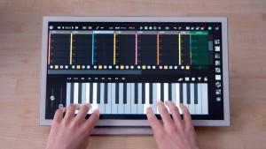 """Yeco è un nuovo programma che permette di creare musica sul proprio iPad. In cosa differisce dai tanti altri programmi musicali?Permette un accesso """"touch"""" alle funzioni, rendendo rapidi e intuitivi i comandi."""