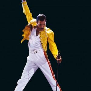 Freddie in concerto: il cantante è stato uno dei più grintosi showman della storia della musica leggera.