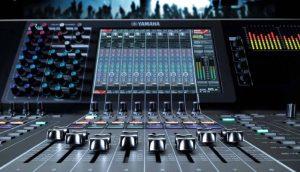 Le apparecchiature digitali hanno specifiche più complesse e fondamentalmente rispetto ai classici mixer analogici.