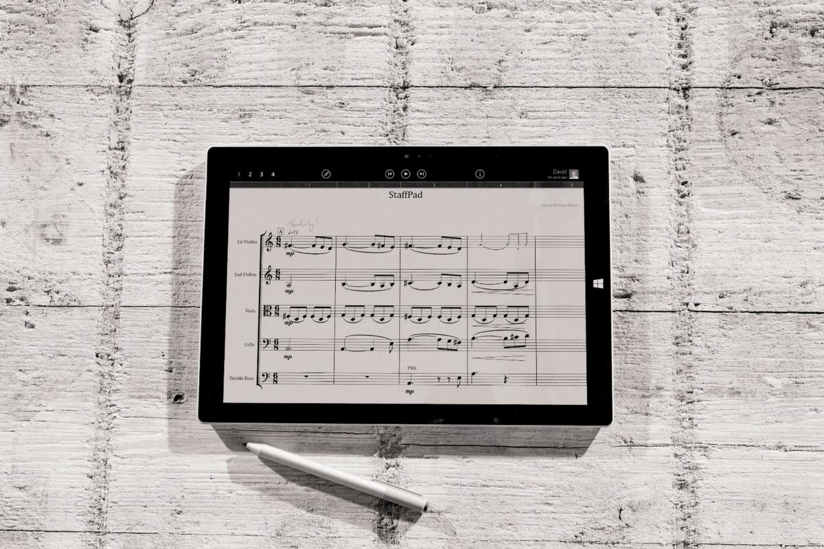 StaffPad è il programma di scrittura digitale in grado di interpretare la grafia dei musicisti. Un'autentica rivoluzione!