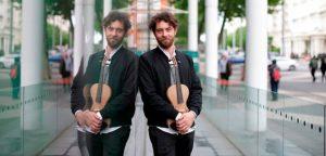 Il primo violino realizzato in tela di ragno è frutto dell'intuizione di un designer italiano, Luca Alessandrini.